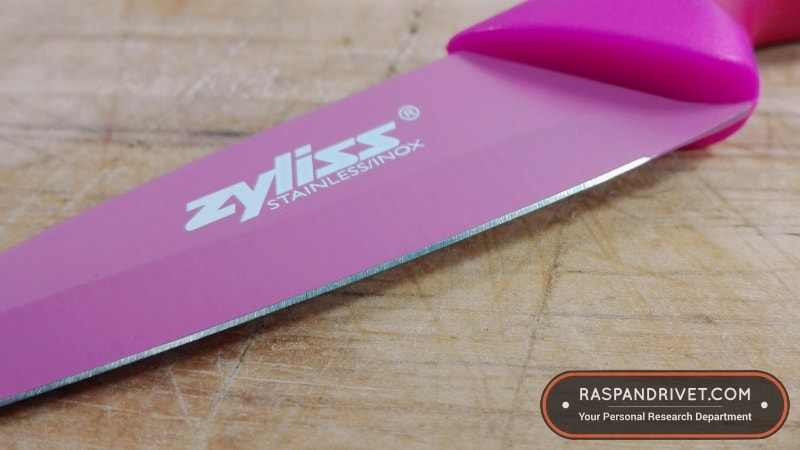 The Zyliss paring knife's blade up close