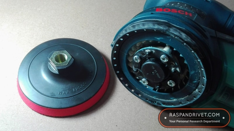 How to use a 125mm angle grinder hook and loop backing pad on a Bosch ROS20VSC